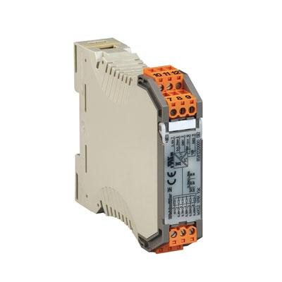 Voltage measuring transducer